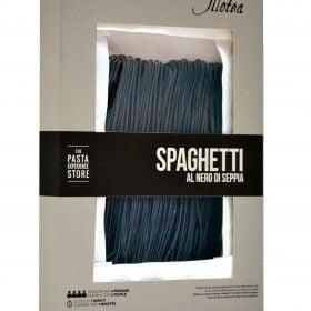 Spaghetti Chitarra al nero di seppia